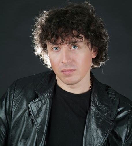 алексин фото певца